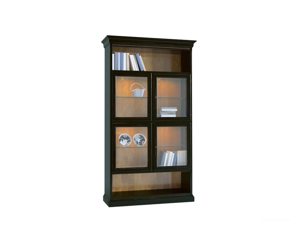 Книжный стеллаж / витрина arena с четырьмя стеклянными дверь.