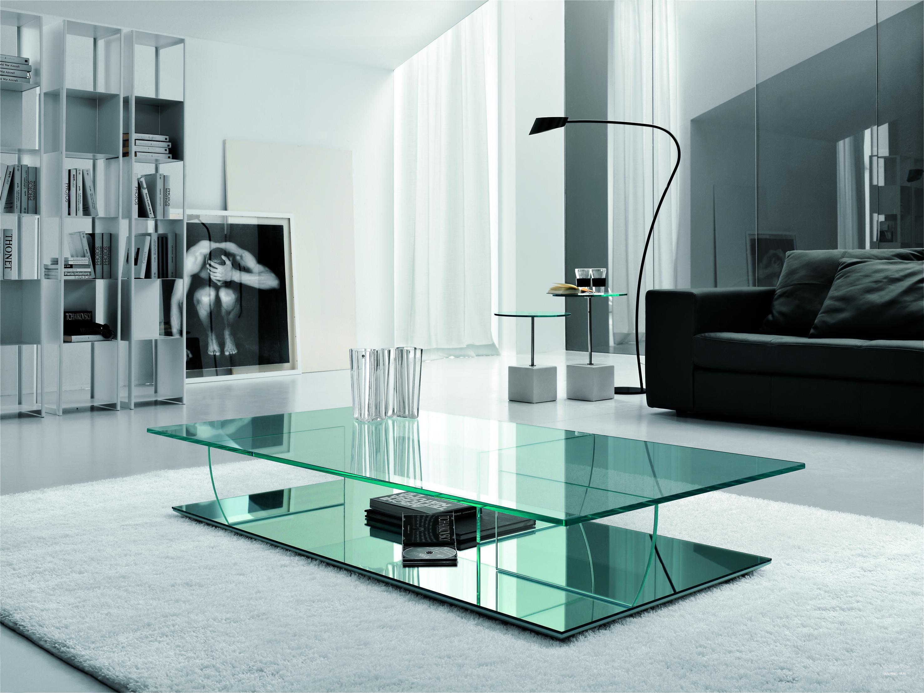 Стильный дизайн-проект частного дома из бетона и стекла