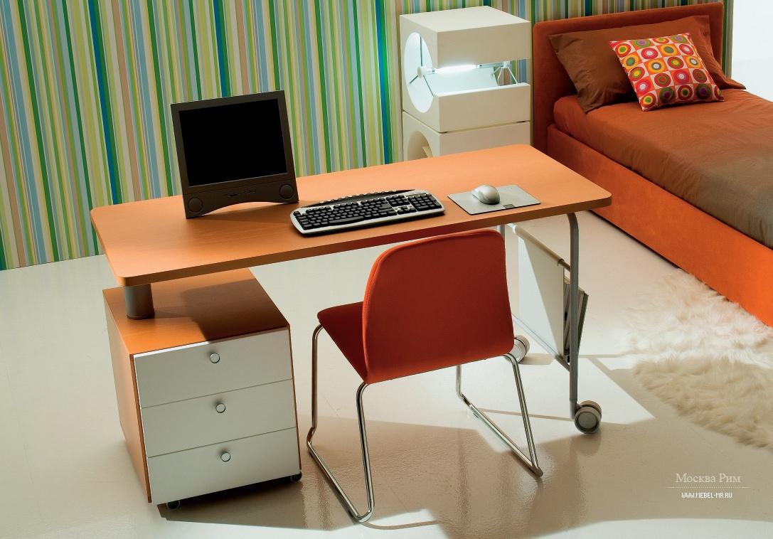 Стол письменный стол рабочий. фото крупно и цены. по цене. с.