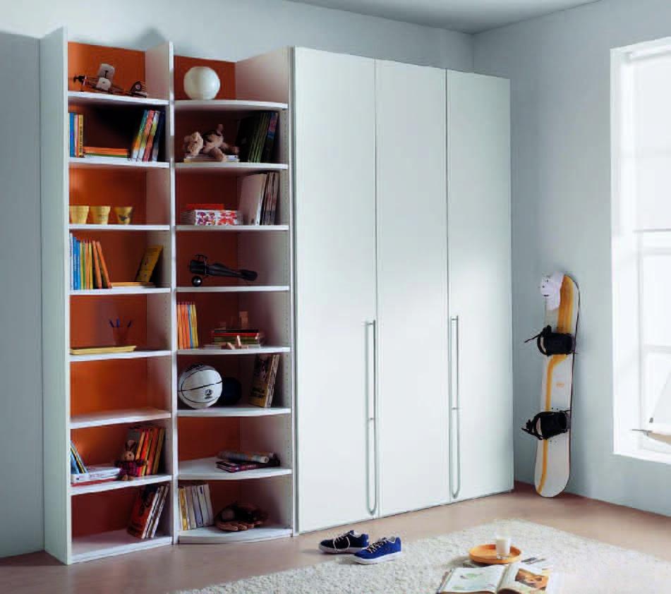 Шкаф, безусловно, является важнейшим предметом мебели для де.