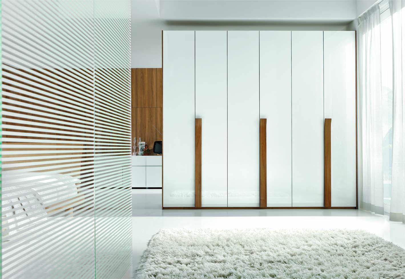Белый шкаф в спальню (52 фото): классические распашные шкафы.