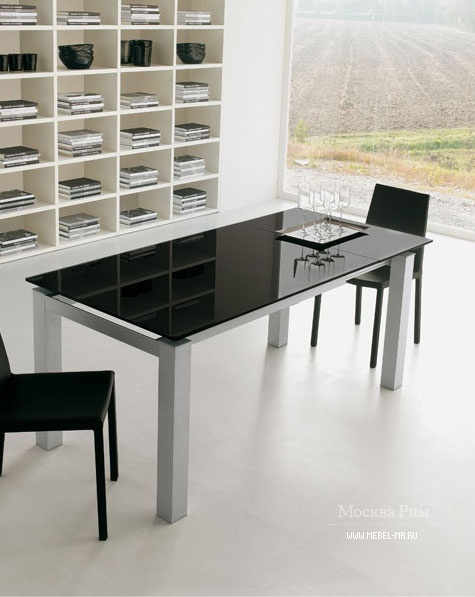 обеденный стол на металлических ножках Tonin Casa