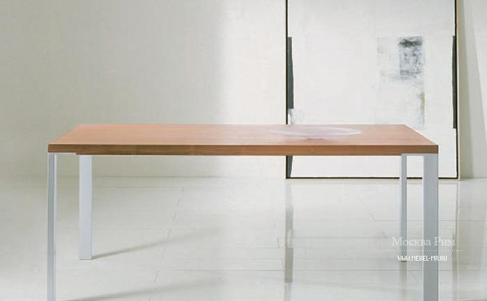 обеденный стол на металлических ножках Tumidei