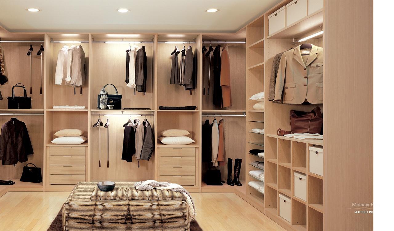 Купить итальянские гардеробные комнаты от официального поста.