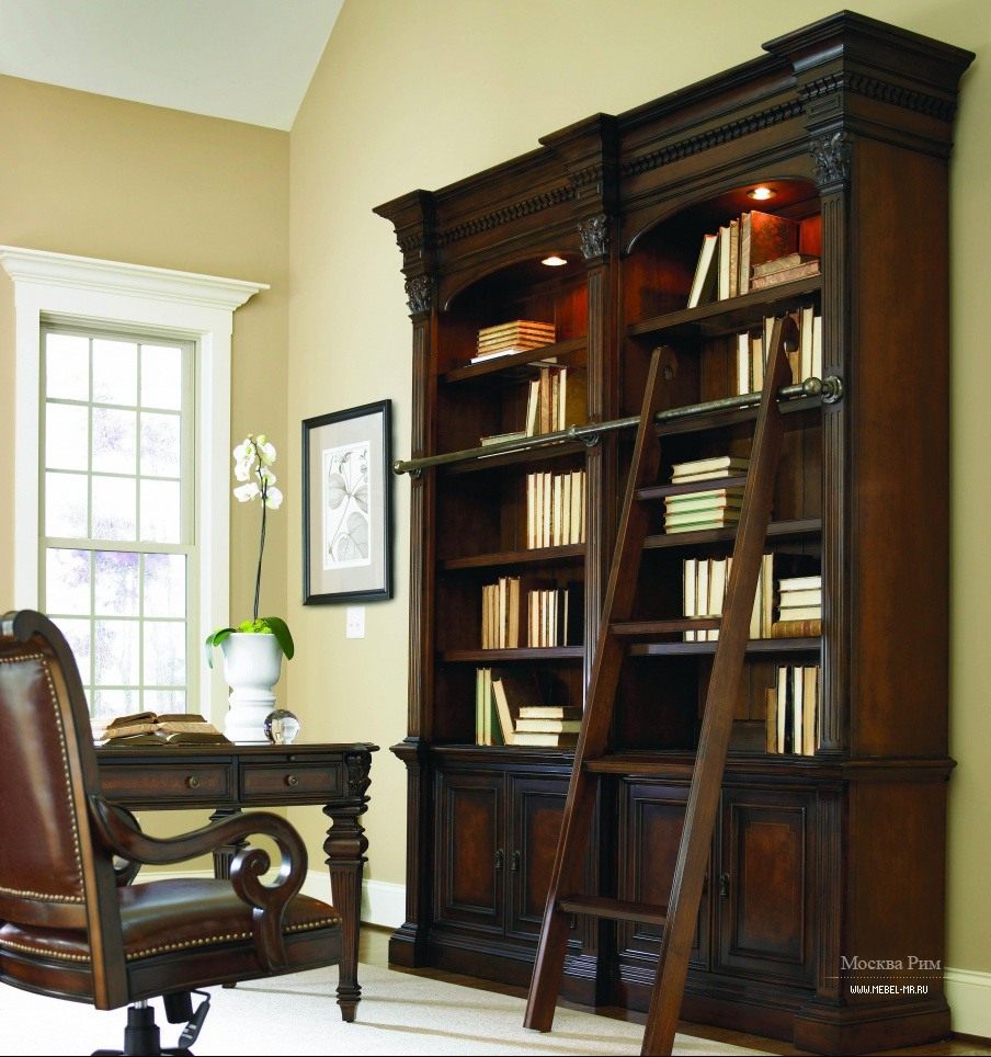 Шкаф книжный European Renaissance, Hooker Furniture