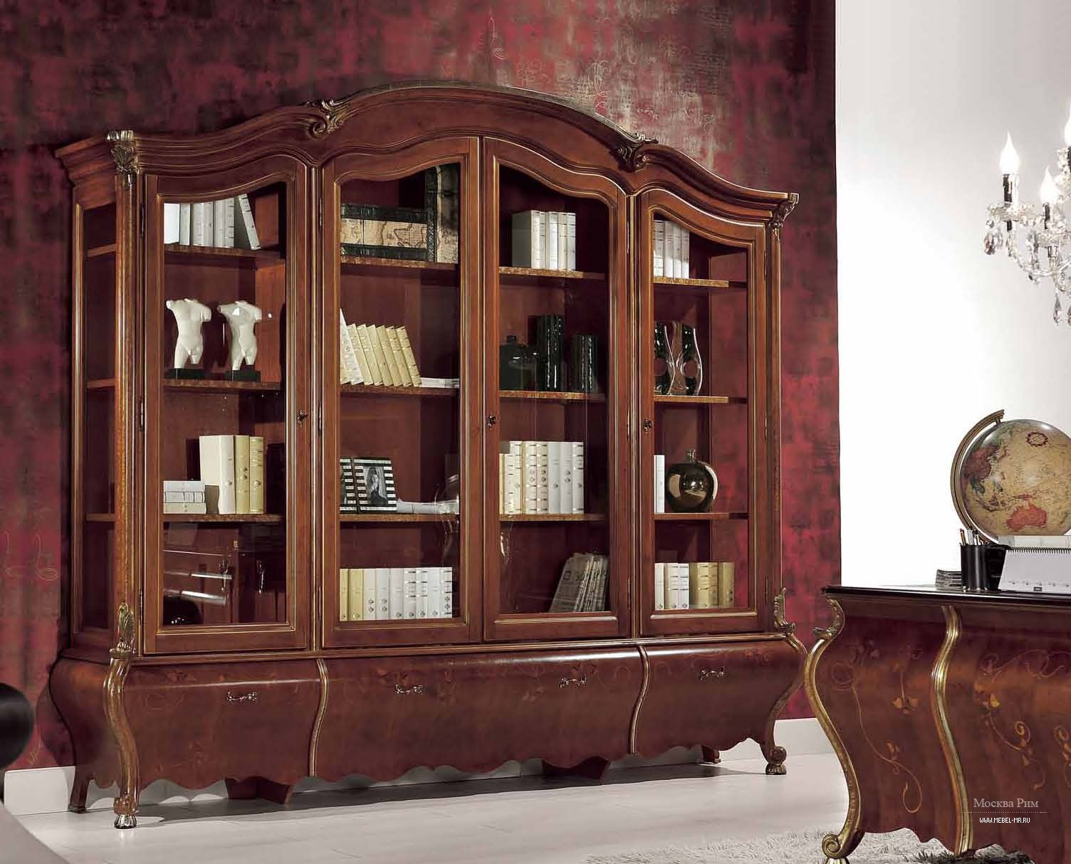 Книжный шкаф с стеклянными дверцами с каркасом из дерева, mi.