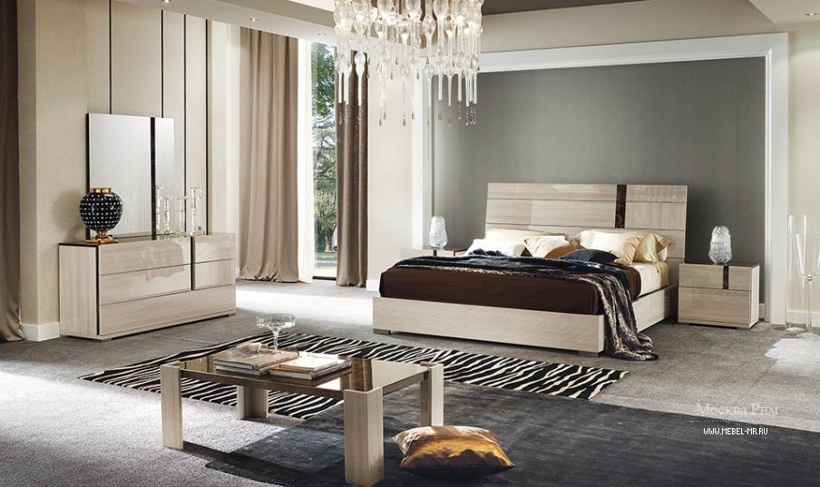 гарнитур для спальни из массива в выбеленном шпоне Teodora Alf